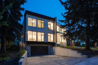 Photo 2: 711 Imperial Way SW in Calgary: Britannia Detached for sale : MLS®# A1140293