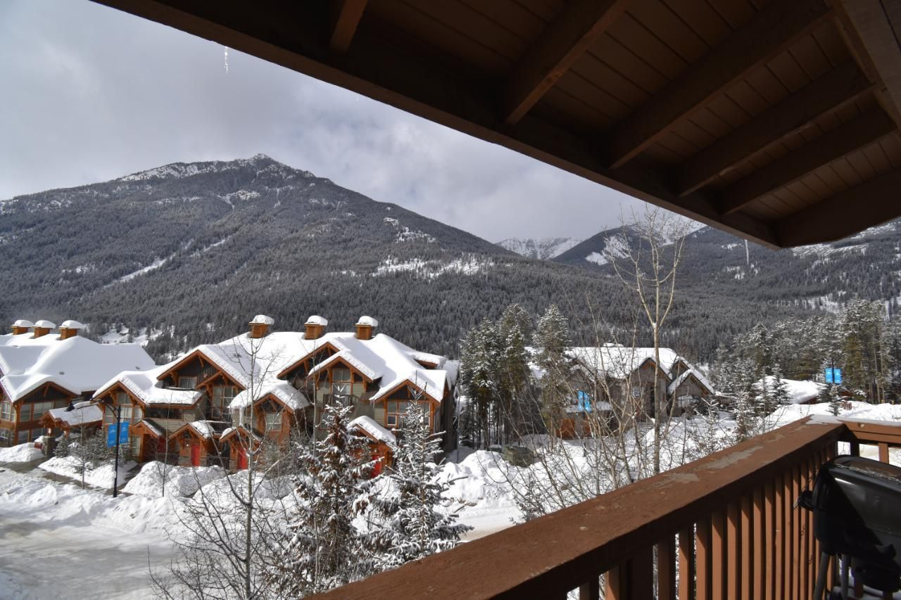 Main Photo: 414 - 2060 SUMMIT DRIVE in Panorama: Condo for sale : MLS®# 2461119