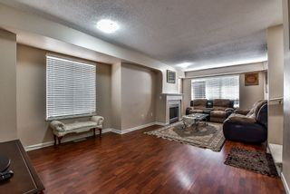 """Photo 2: 44 12778 66 Avenue in Surrey: West Newton Townhouse for sale in """"Hathaway Village"""" : MLS®# R2153687"""