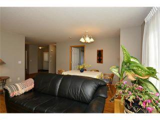 Photo 17: 6639 Pinecliff Grove NE in Calgary: Pineridge House for sale : MLS®# C4107612