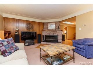 Photo 7: 425 Tipton Ave in VICTORIA: Co Wishart South House for sale (Colwood)  : MLS®# 753369