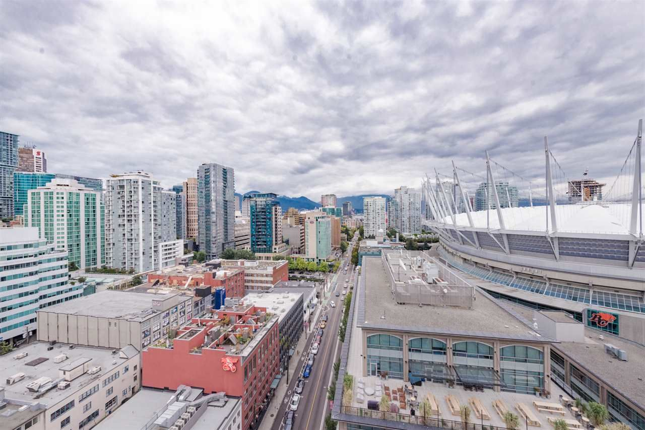 """Main Photo: 2508 928 BEATTY Street in Vancouver: Yaletown Condo for sale in """"The Max"""" (Vancouver West)  : MLS®# R2297790"""