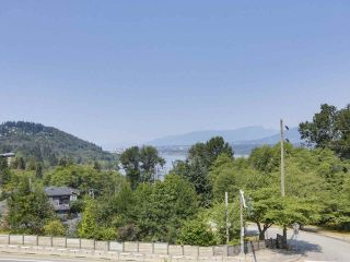 Photo 2: 7284 INLET Drive in Burnaby: Westridge BN House for sale (Burnaby North)  : MLS®# R2423498