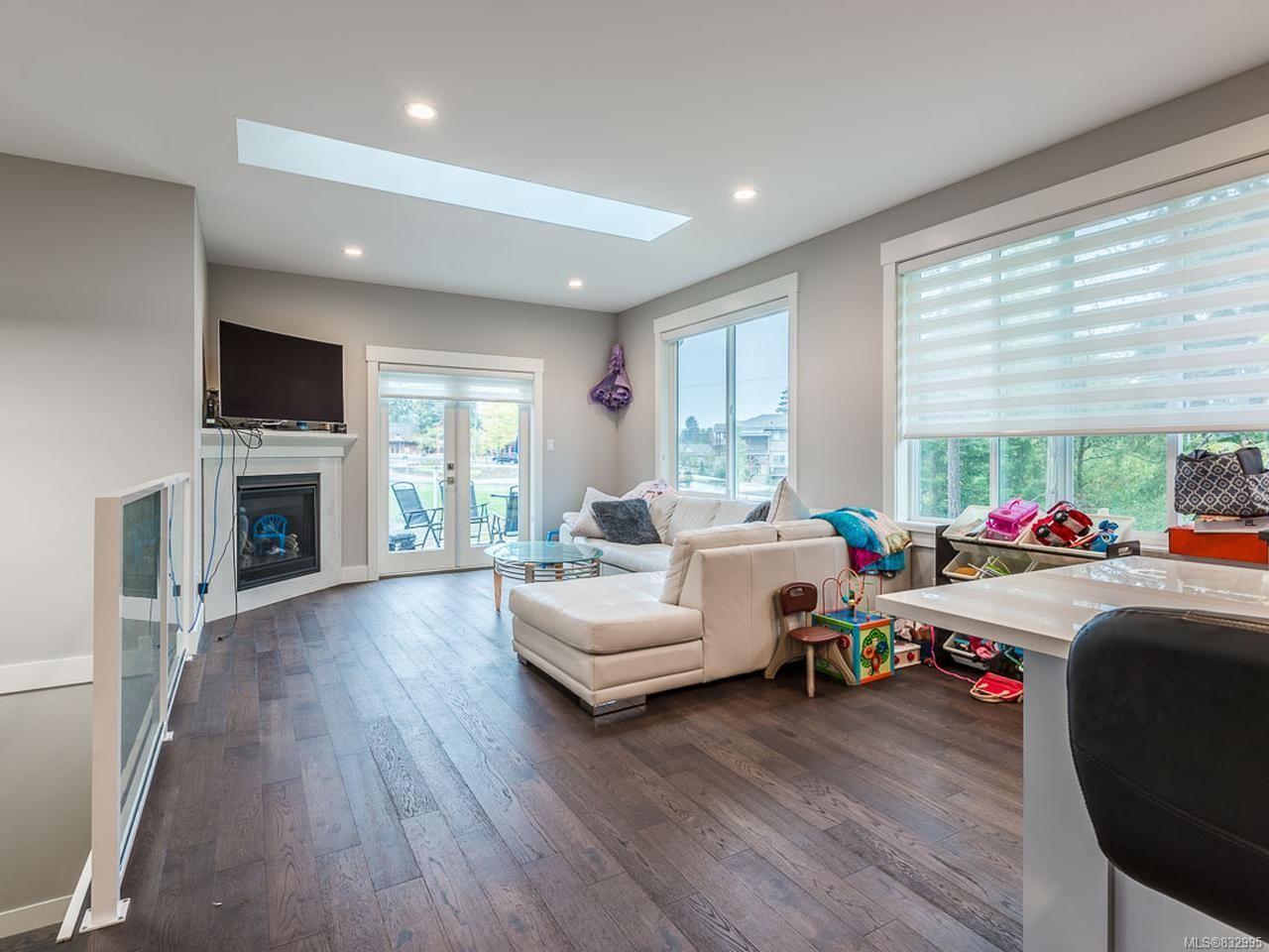 Photo 9: Photos: 5896 Linyard Rd in NANAIMO: Na North Nanaimo House for sale (Nanaimo)  : MLS®# 832995