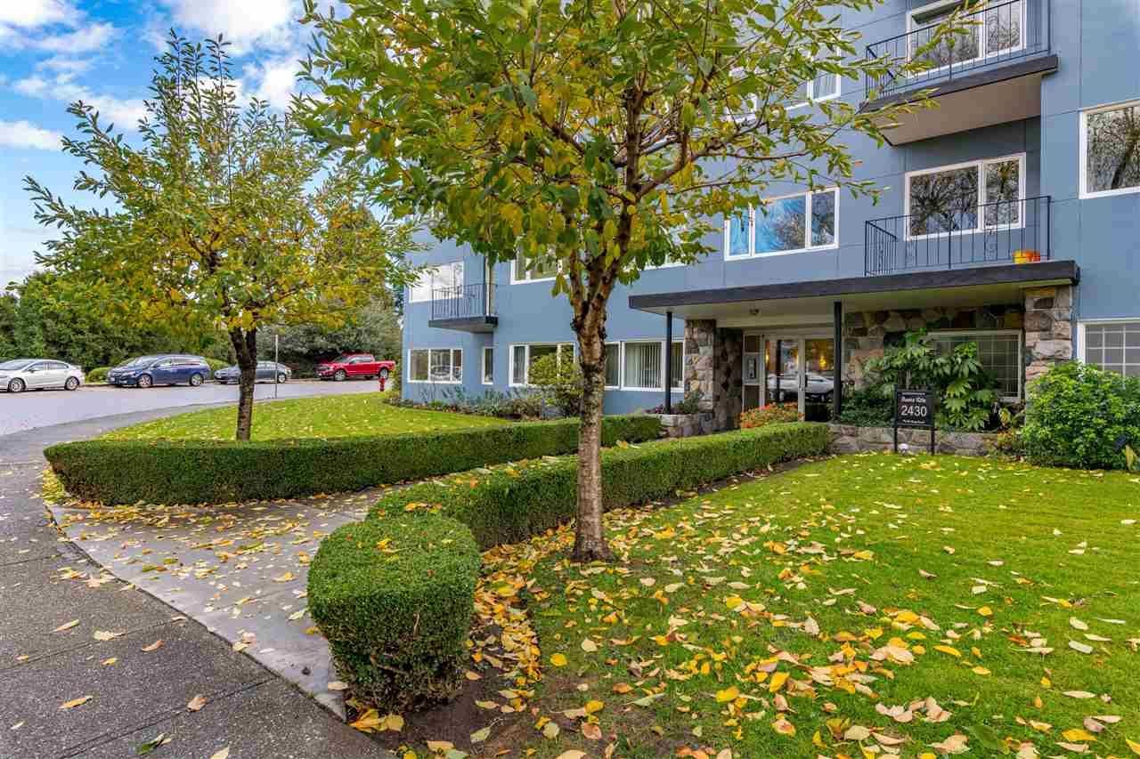 Main Photo:  in : Kitsilano Condo for sale (Vancouver West)