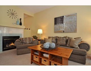 Photo 4: 10 SHAWBROOKE Court SW in CALGARY: Shawnessy Townhouse for sale (Calgary)  : MLS®# C3377313