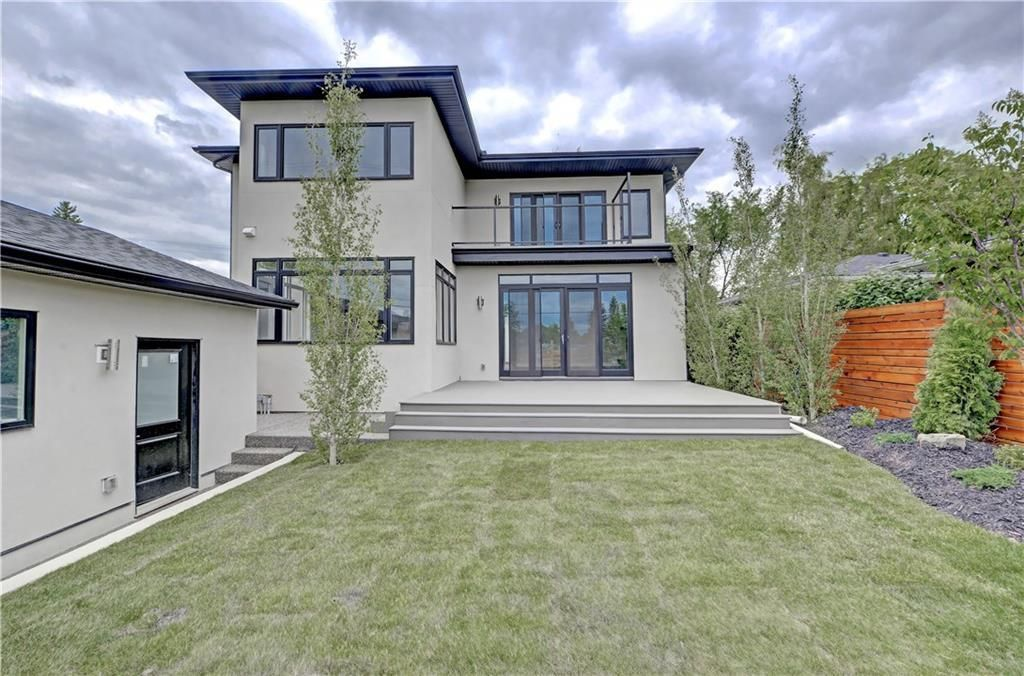 Photo 37: Photos: 24 LORNE Place SW in Calgary: North Glenmore Park Detached for sale : MLS®# C4225479
