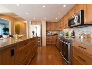 """Photo 11: 911 1450 PENNYFARTHING Drive in Vancouver: False Creek Condo for sale in """"HARBOUR COVE"""" (Vancouver West)  : MLS®# V1045664"""