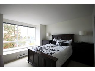 """Photo 6: 6727 VILLAGE Grove in Burnaby: Highgate Townhouse for sale in """"MONTEREY"""" (Burnaby South)  : MLS®# V977948"""