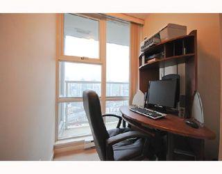 "Photo 8: 2906 193 AQUARIUS MEWS BB in Vancouver: False Creek North Condo for sale in ""MARINASIDE RESORT RESIDENCES"" (Vancouver West)  : MLS®# V746327"