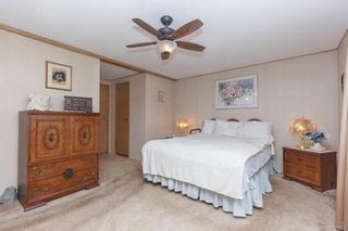 Photo 14: 5 1536 Middle Rd in View Royal: VR Glentana Manufactured Home for sale : MLS®# 775203