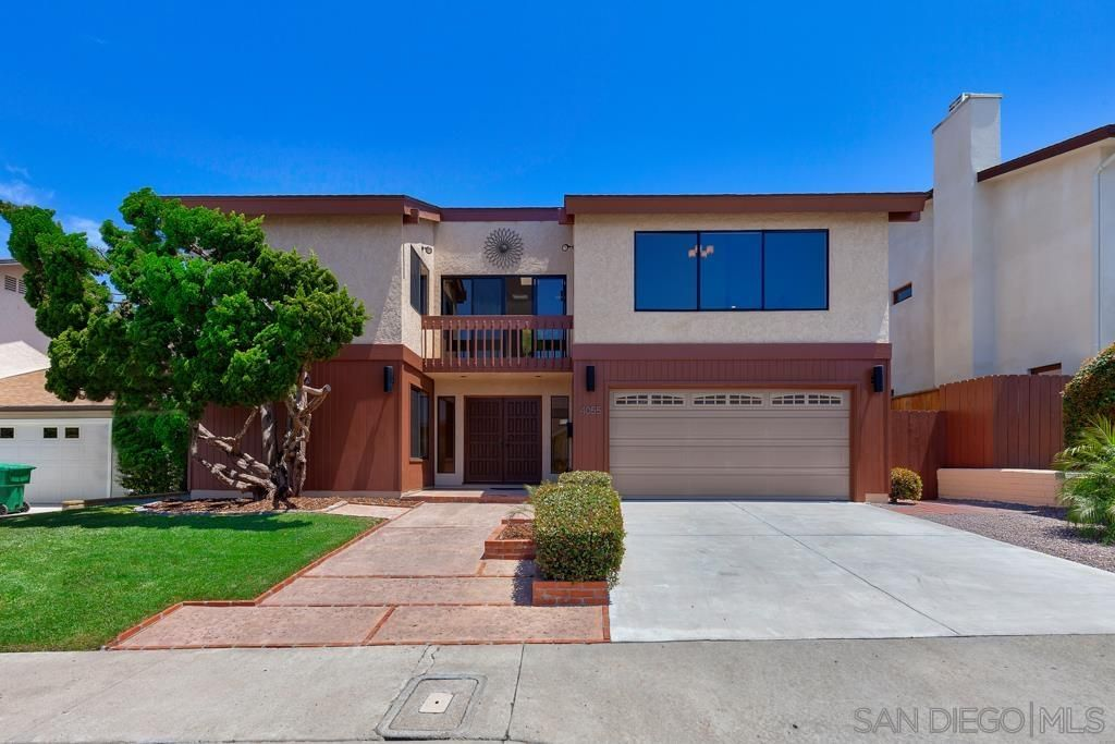 Main Photo: CLAIREMONT House for sale : 5 bedrooms : 4055 Raffee Dr in San Diego