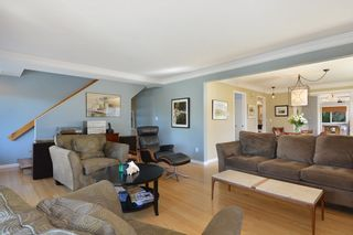 Photo 5: 952 LEE Street: White Rock House for sale (South Surrey White Rock)  : MLS®# R2351261