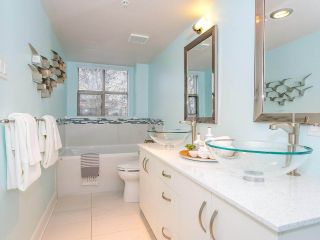 "Photo 13: 403 2108 W 38TH Avenue in Vancouver: Kerrisdale Condo for sale in ""The Wilshire"" (Vancouver West)  : MLS®# R2355468"