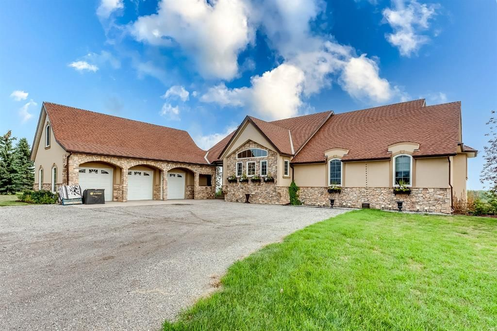 Main Photo: 258020 8 Street W: Rural Foothills County Detached for sale : MLS®# A1146291