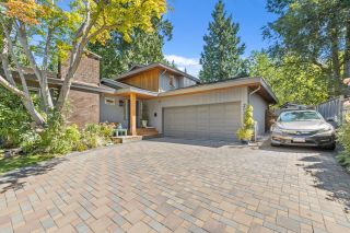 """Photo 2: 2022 OCEAN CLIFF Place in Surrey: Crescent Bch Ocean Pk. House for sale in """"Ocean Cliff"""" (South Surrey White Rock)  : MLS®# R2606355"""