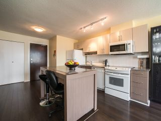 """Photo 5: 1205 550 TAYLOR Street in Vancouver: Downtown VW Condo for sale in """"The Taylor"""" (Vancouver West)  : MLS®# R2093056"""