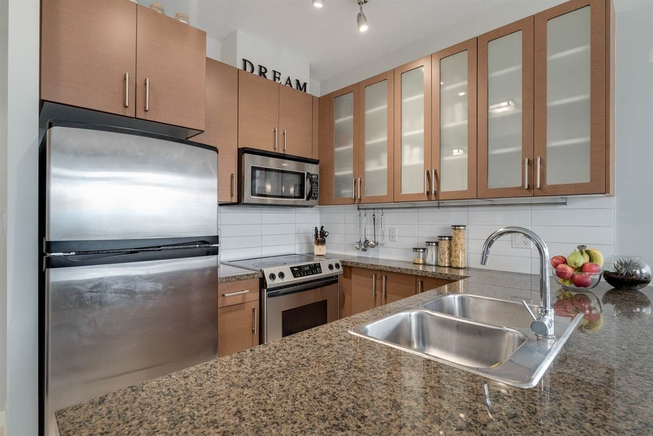 """Photo 9: Photos: 603 4250 DAWSON Street in Burnaby: Brentwood Park Condo for sale in """"OMA 2"""" (Burnaby North)  : MLS®# R2212990"""
