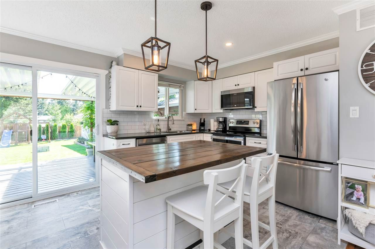 Photo 12: Photos: 32626 BADGER Avenue in Mission: Mission BC House for sale : MLS®# R2493289