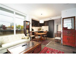 """Photo 2: 401 2550 SPRUCE Street in Vancouver: Fairview VW Condo for sale in """"SPRUCE"""" (Vancouver West)  : MLS®# V1032685"""