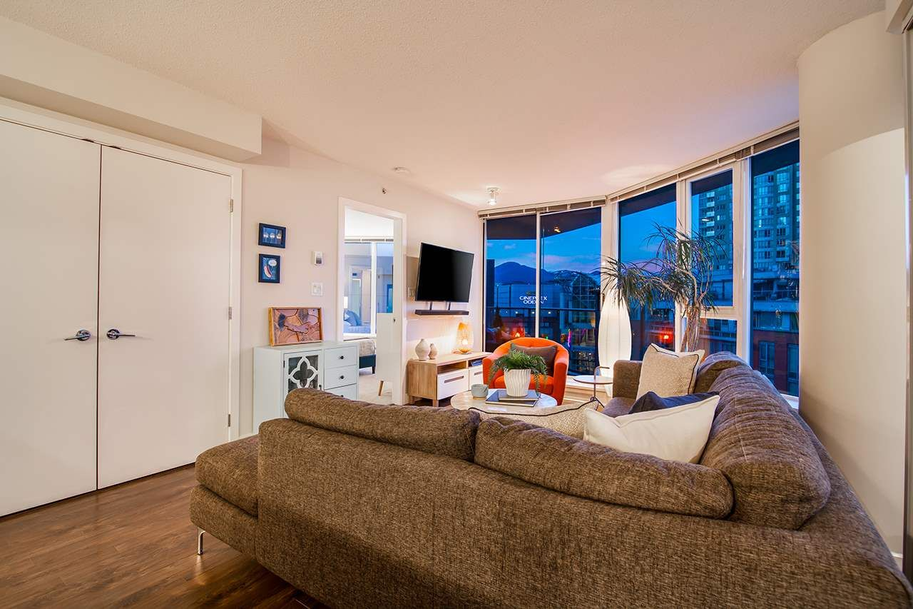 """Photo 7: Photos: 702 689 ABBOTT Street in Vancouver: Downtown VW Condo for sale in """"ESPANA"""" (Vancouver West)  : MLS®# R2352723"""