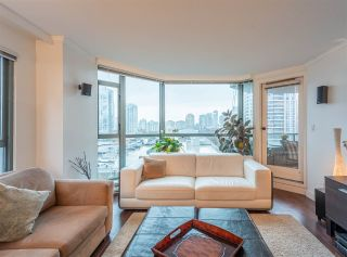 """Photo 9: 501 888 HAMILTON Street in Vancouver: Downtown VW Condo for sale in """"ROSEDALE GARDEN"""" (Vancouver West)  : MLS®# R2518975"""