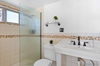Photo 18: BAY PARK House for sale : 4 bedrooms : 3636 Mount Laurence Dr in San Diego