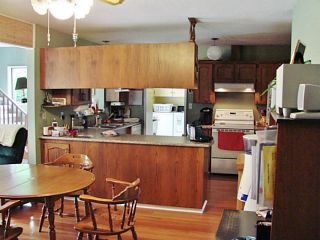 Photo 3: 7980 COOPER RD in Halfmoon Bay: Halfmn Bay Secret Cv Redroofs House for sale (Sunshine Coast)  : MLS®# V1107211