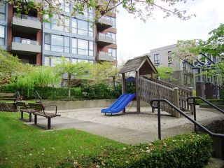 Photo 16: 1606 5288 MELBOURNE Street in Emerald Park Place: Collingwood VE Home for sale ()  : MLS®# V821965