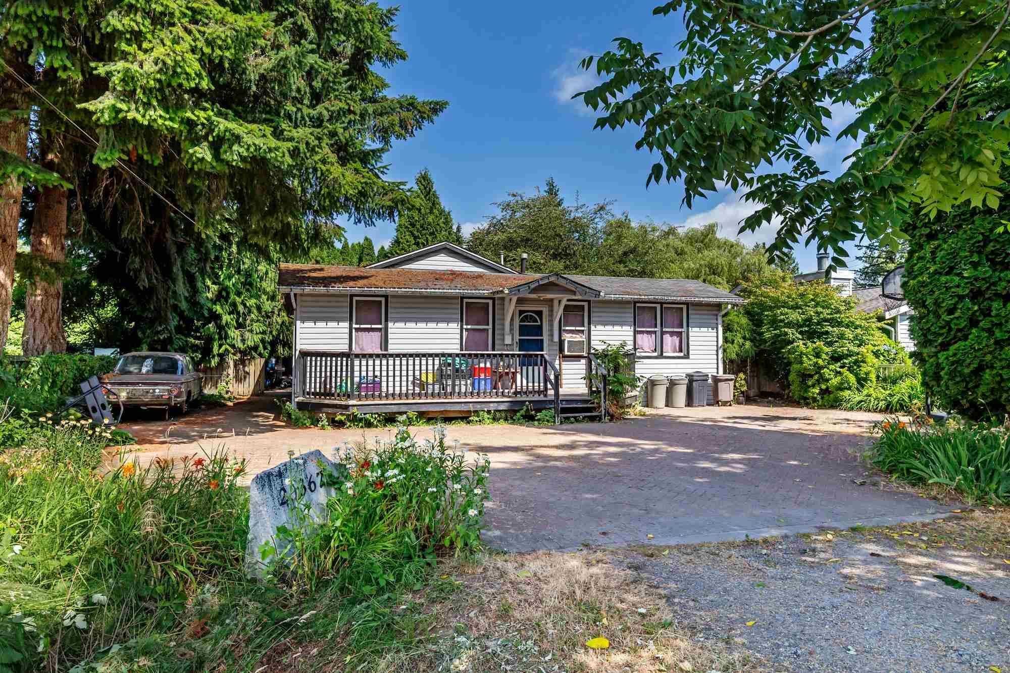 Main Photo: 20367 KENT Street in Maple Ridge: Southwest Maple Ridge House for sale : MLS®# R2602645