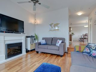 Photo 4: 102 1510 Hillside Ave in Victoria: Vi Oaklands Row/Townhouse for sale : MLS®# 874175