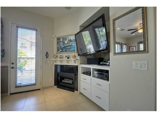 Photo 8: Photos: SCRIPPS RANCH Townhouse for sale : 3 bedrooms : 11821 Miro Circle in San Diego
