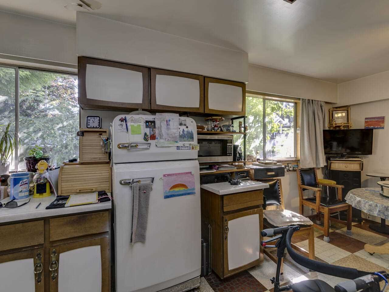 """Photo 23: Photos: 2796 E 4TH Avenue in Vancouver: Renfrew VE House for sale in """"Renfrew Heights"""" (Vancouver East)  : MLS®# R2496647"""
