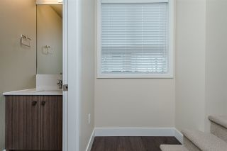 """Photo 10: 17 1968 N PARALLEL Road in Abbotsford: Abbotsford East Townhouse for sale in """"Parallel North"""" : MLS®# R2173432"""