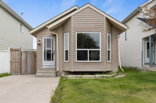 Photo 3: 249 martindale Boulevard NE in Calgary: Martindale Detached for sale : MLS®# A1116896