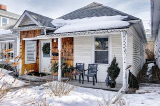 Photo 2: 1021 1 Avenue NW in Calgary: Sunnyside Detached for sale : MLS®# A1076759