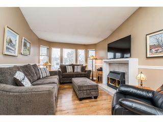 Photo 5: 8272 TANAKA TERRACE in Mission: Mission BC House for sale : MLS®# R2541982