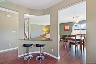 Photo 5: 305 908 Brock Ave in VICTORIA: La Langford Proper Row/Townhouse for sale (Langford)  : MLS®# 839718