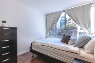 "Photo 5: 706 788 HAMILTON Street in Vancouver: Downtown VW Condo for sale in ""TV TOWERS"" (Vancouver West)  : MLS®# R2289612"