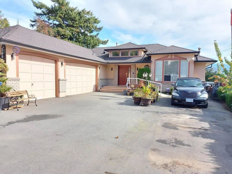 FEATURED LISTING: 36090 SOUTHRIDGE Place Abbotsford
