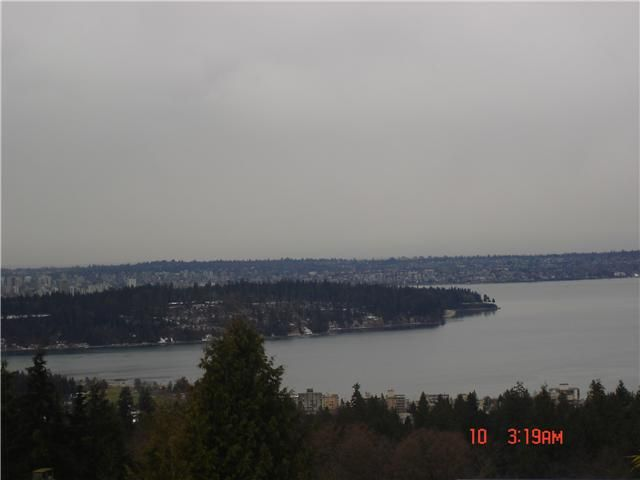"""Main Photo: 1410 CAMELOT Road in West Vancouver: Chartwell House for sale in """"Chartwell"""" : MLS®# V872612"""