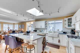 Photo 12: 250 N SPRINGER Avenue in Burnaby: Capitol Hill BN House for sale (Burnaby North)  : MLS®# R2558310