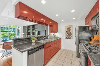 Photo 14: 2G 1067 MARINASIDE Crescent in Vancouver: Yaletown Townhouse for sale (Vancouver West)  : MLS®# R2618967