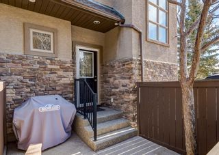 Photo 2: 106 1312 Russell Road NE in Calgary: Renfrew Row/Townhouse for sale : MLS®# A1080835