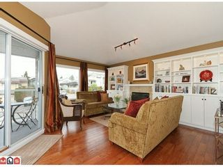 Photo 2: 938 HABGOOD Street in South Surrey White Rock: Home for sale : MLS®# F1107771