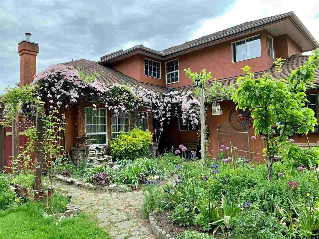 Main Photo: 5233 57 Street in Delta: Hawthorne House for sale (Ladner)  : MLS®# R2538553