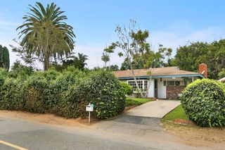 Photo 2: ENCINITAS House for sale : 3 bedrooms : 802 San Dieguito Dr