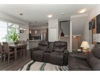 "Photo 4: 113 19433 68 Avenue in Surrey: Clayton Townhouse for sale in ""The Grove"" (Cloverdale)  : MLS®# R2303599"