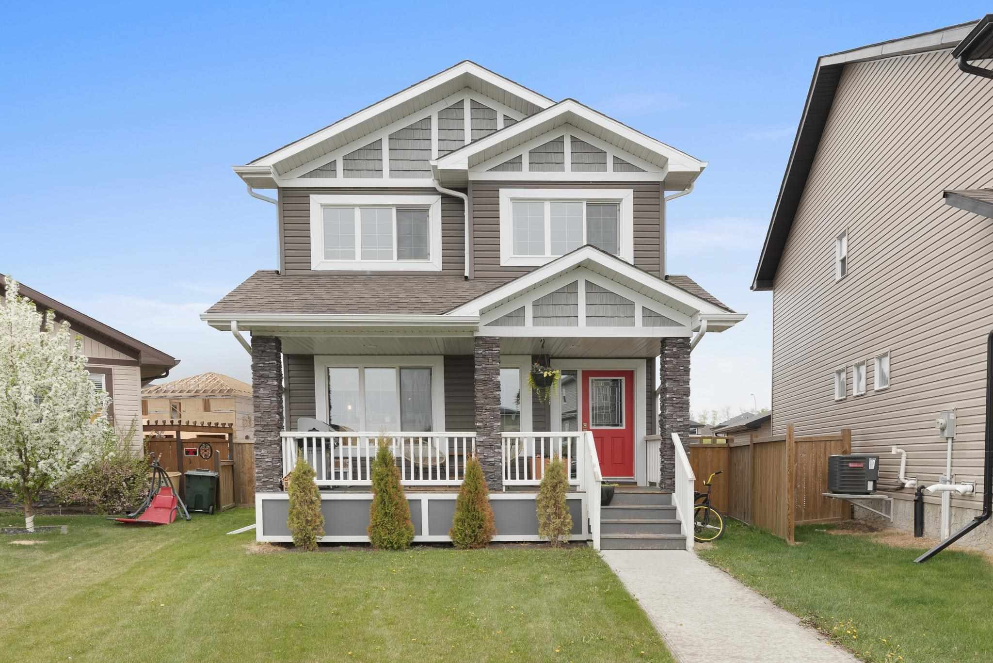 Main Photo: 100 HEWITT Circle: Spruce Grove House for sale : MLS®# E4247362