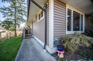 Photo 2: 325 Petersen Rd in : CR Campbell River West Full Duplex for sale (Campbell River)  : MLS®# 871147